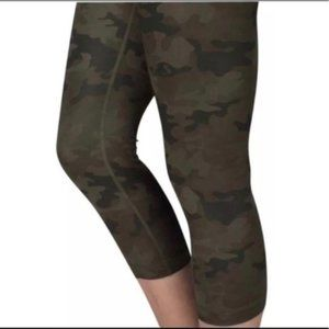 Lululemon Wunder Under Crop-Savasana Camo, Size 6